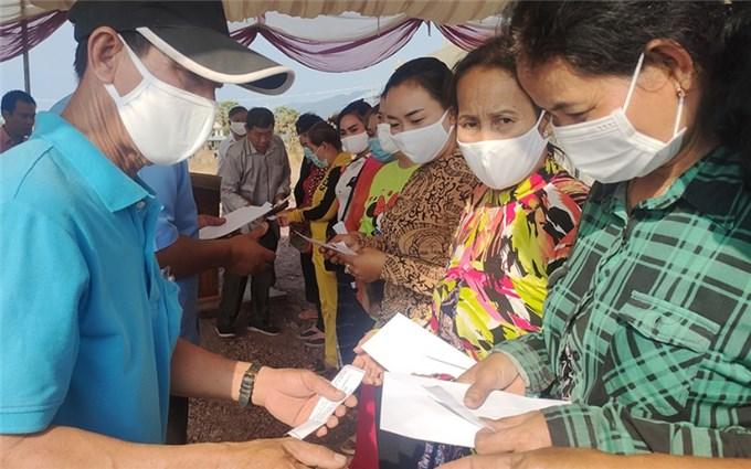 Tổ chức Lễ động thổ xây dựng Nhà sinh hoạt cộng đồng của người Campuchia gốc Việt trên địa bàn