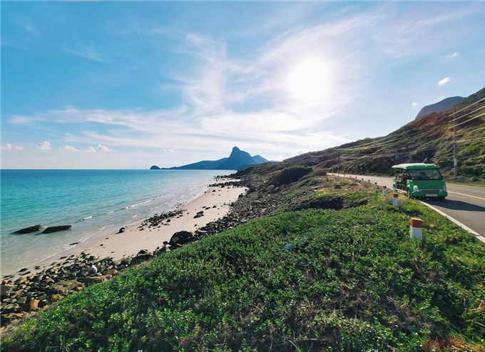 Continuing to conquer the American travel magazine, Con Dao affirms the beauty of Vietnam's sea and islands