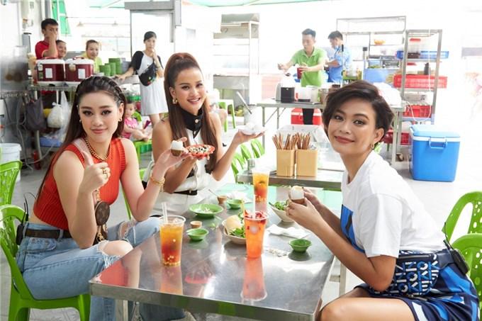 Khánh Vân tự tin quảng bá văn hóa du lịch Việt Nam đến với thế giới