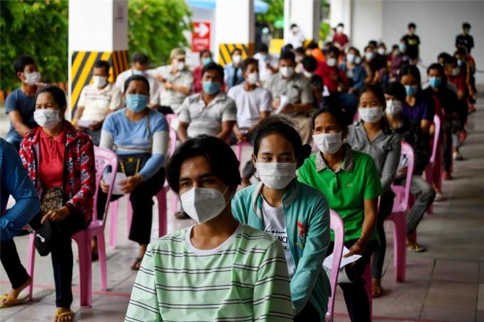 Thủ tướng Hun Sen công bố dỡ lệnh phong tỏa Phnom Penh và Ta Khmao
