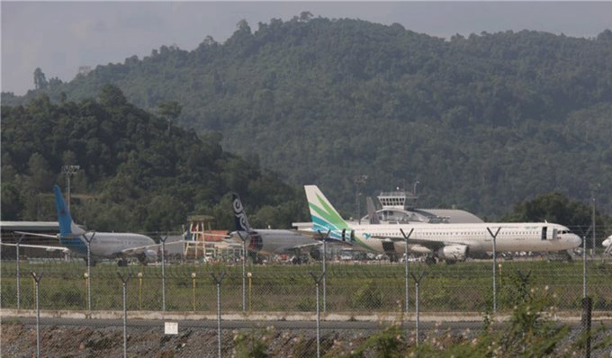 Campuchia có thêm hơn 600 ca COVID-19, Sihanoukville vẫn bỏ cách ly chuyến bay