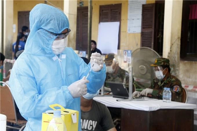 Campuchia sắp cán mốc 2 triệu người tiêm vaccine ngừa Covid-19