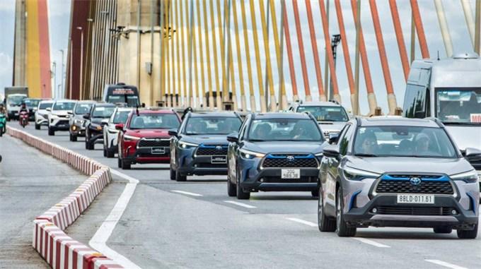 Vì sao ô tô hybrid phù hợp với Việt Nam ở thời điểm hiện tại?