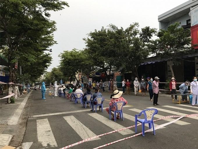 Đà Nẵng yêu cầu không tập trung quá 5 người nơi công cộng