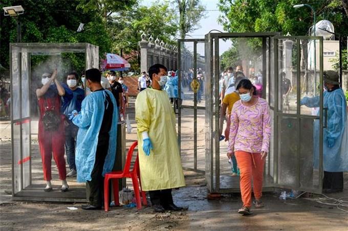 Campuchia dịch bùng trở lại