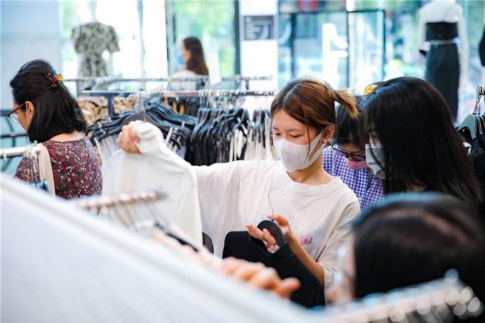 Việt Nam dẫn đầu phục hồi kinh tế nhóm các nước CLMV năm