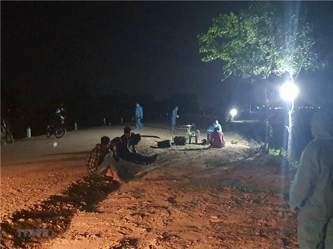 Tây Ninh: Bắt giữ, đưa đi cách ly 2 người nhập cảnh trái phép từ Campuchia