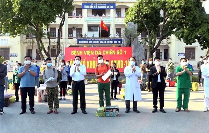 """Việt Nam """"chống dịch như chống giặc"""", bảo vệ các nhà máy và chuỗi cung ứng toàn cầu"""