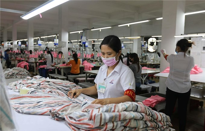 Doanh nghiệp trong khu giãn cách nỗ lực duy trì sản xuất