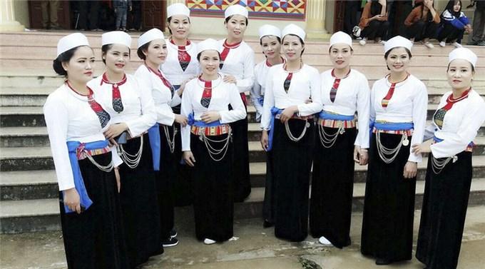 Hòa Bình: Bảo tồn, phát huy trang phục truyền thống các dân tộc