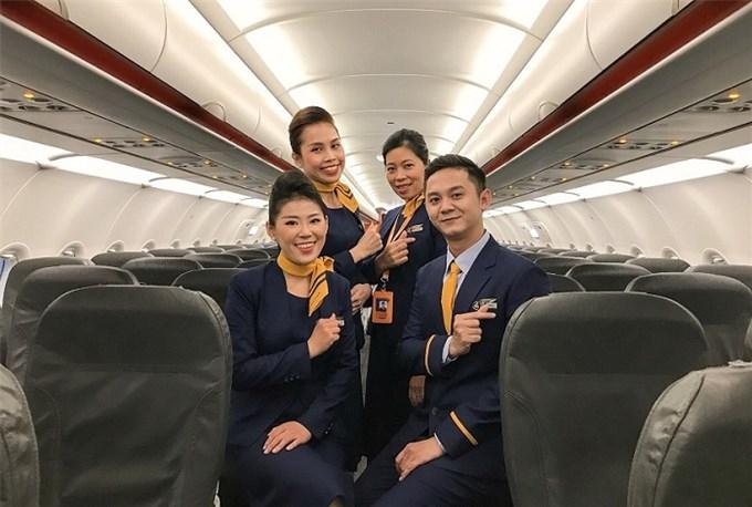 Các hãng hàng không Việt Nam đua nhau thực hiện chiến dịch 'đại hạ giá' vé máy bay