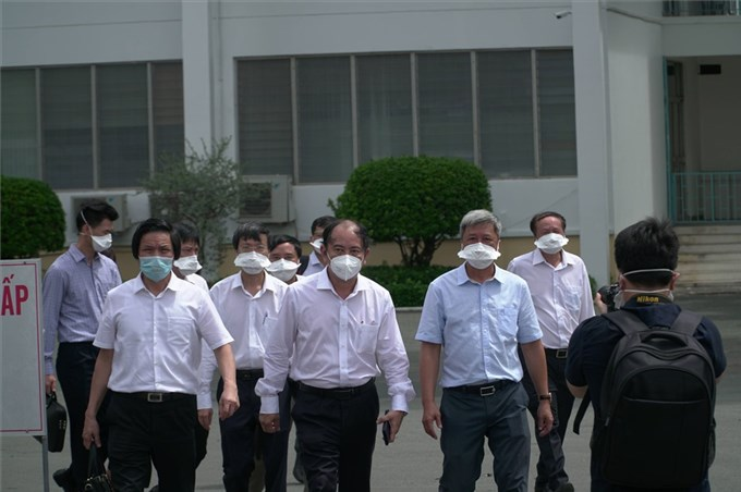Ho Chi Minh City Hospital for Tropical Diseases: 52/53 positive cases have no symptoms and have had 2 doses of vaccine