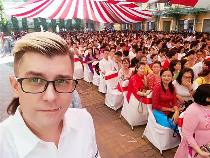 German international student who made a 700-page Vietnamese thesis won a perfect score