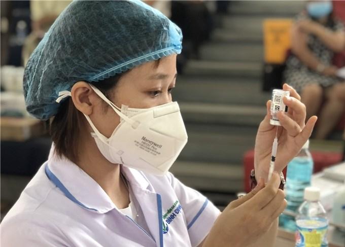 Khoảng 12 triệu liều vaccine chuyển tới các địa phương đang có dịch
