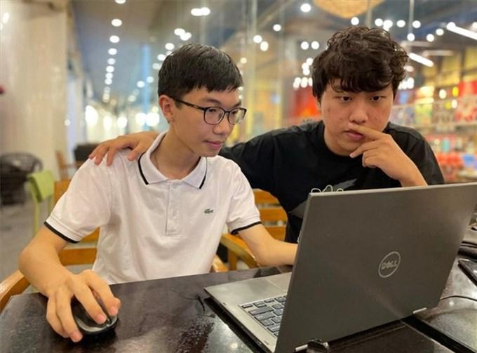 Nam sinh 16 tuổi được Microsoft vinh danh