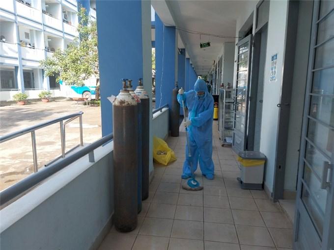 Bên trong bệnh viện dã chiến Đồng Nai