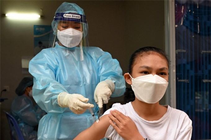 Hơn 95% người trưởng thành ở Campuchia đã tiêm vaccine COVID-19