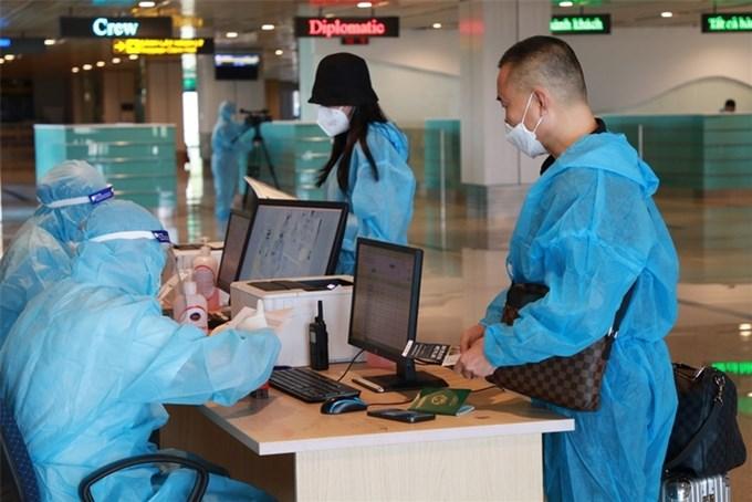 Đón hai chuyến bay từ Mỹ áp dụng 'hộ chiếu vaccine'