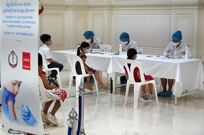 Campuchia: Trên 84% tổng dân số và trên 99% dân số trưởng thành đã tiêm ít nhất một mũi vaccine