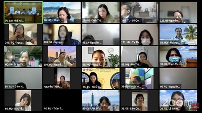 Dạy tiếng Việt ở nước ngoài: Tâm nguyện chắp cánh cho tiếng mẹ đẻ bay xa