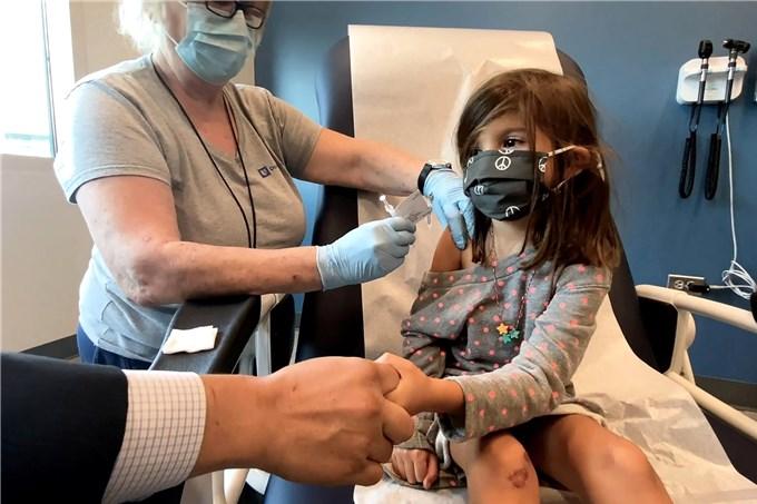 Mỹ: Nhà Trắng yêu cầu các bang chuẩn bị tiêm vaccine Covid-19 cho trẻ từ 5 tuổi
