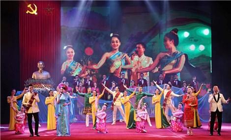 Không ngừng thúc đẩy quan hệ hợp tác toàn diện Việt Nam-Lào