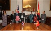 Những điểm khác biệt chính giữa hai hiệp định của Anh đối với Việt Nam