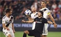 Lee Nguyễn đá trận đầu tiên trên sân Thống Nhất vào ngày 24-1