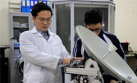 Việt Nam lần đầu chế tạo trạm thu di động tín hiệu vệ tinh