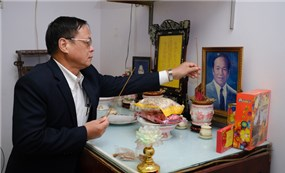 Thăm và tặng quà nhân chứng Hoàng Sa