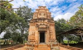 Chiêm ngưỡng kiến trúc độc đáo của tháp cổ ở Tây Ninh