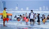 Đà Nẵng yêu cầu dừng tắm biển