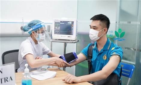 First airline in Vietnam gets Covid-19 vaccine