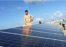 """""""Lỗ hổng"""" pháp lý điện mặt trờiáp mái"""
