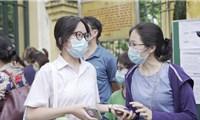 """Đề Toán lớp 10 của THPT chuyên Khoa học tự nhiên""""dễ thở"""", dự đoán phổ điểm chỉ 5-5,5"""