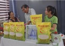 Cuộc chiến đưa ra Gạo ST25 hàng đầu của Việt Nam ra thị trường