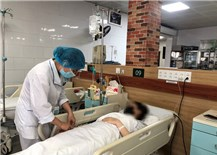 Cảnh báo ngộ độc paracetamol khi tự chữa COVID-19 tại nhà