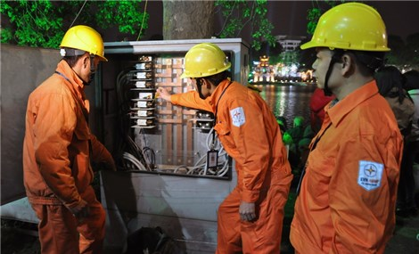 Two Vietnamese companies receive ASEAN awards for occupational safety and health
