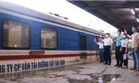 Có gì trong chuyến tầu đặc biệt chở'sự sống' từ Hà Nội chi viện TPHCM khởi hành sáng nay?