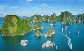 Quang Ninh closes public beaches, tourist destinations as Covid threat escalates