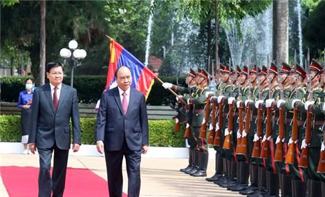 Việt Nam, Lào ký 14 văn kiện hợp tác nhằm tăng cường quan hệ