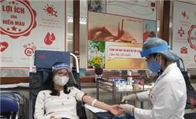 Thiếu máu nghiêm trọng trong mùa dịch