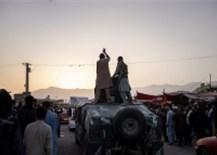 Tổng thống rời Afghanistan với'núi tiền', còn người dân chạy đi đâu?