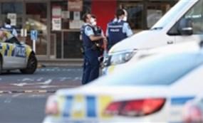 New Zeland: Kẻ tấn công những người đang mua sắm tại siêu thị New Lynn đã bị cảnh sát bắn chết