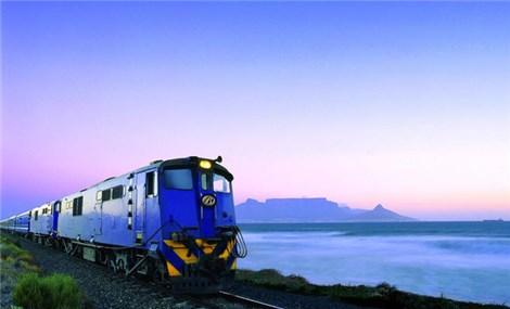 Đoàn tàu Nam Phi đưa vắc xin COVID-19 gần hơn tới người dân
