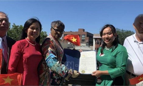 Vietnamese flag hoisted in New Jersey, USA, on National Day