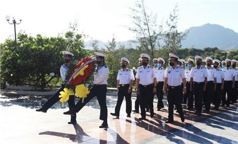 感恩为保卫祖国海洋岛屿和大陆架的主权而牺牲的英雄烈士