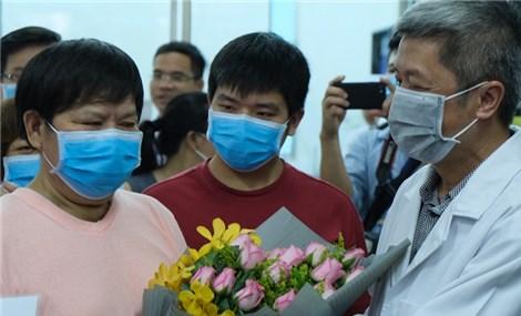 Người nước ngoài tại Hà Nội đồng lòng chống dịch