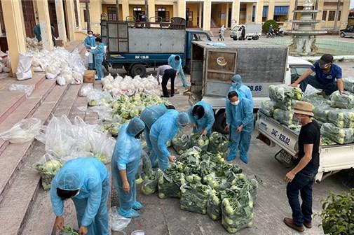 Nỗ lực tiêu thụ nông sản trong dịch bệnh