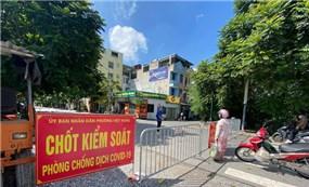 """Phong tỏa một ngõ """"vùng xanh"""" ở Long Biên do có ca mắc COVID-19 ở chưa rõ nguồn lây"""
